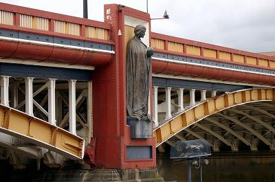 Close-up of Vauxhall Bridge with Statue